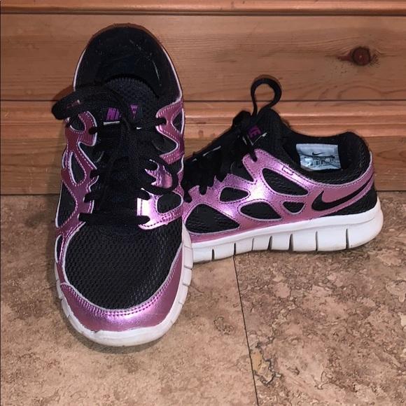 Nike Shoes   Womens Nike Free Run Size